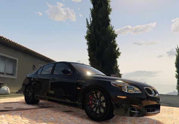 GTA5宝马E60M5轿车mod