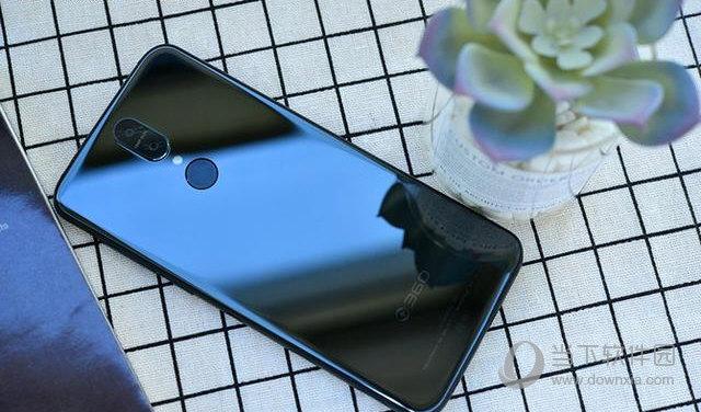 360 N6 Lite手机背部