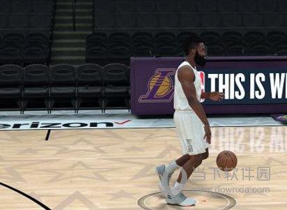 NBA2K18哈登最新身形MOD